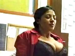 Indian amateur couple enjoying a quickie